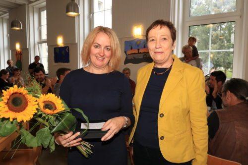 Martina Freissegger mit Seelsorgeamtsdirektorin Dr.in Anna Hennersperger (© Foto: Peter Artl)