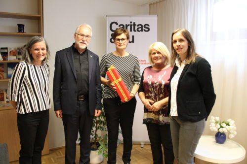 Ursula Luschnig, Josef Marketz, Janette Suntinger-Schneeweiß, Gerda Sandriesser, Marion Fercher (von links) konnten sich über die gelungene Renovierung freuen. (Foto: Caritas Kärnten)