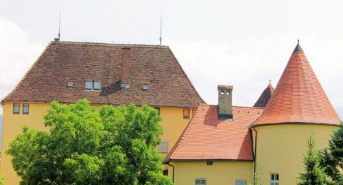 """""""Schloss Himmelau"""" - von der wehrhaften Burg zum Ort des Gebetes (© Foto: Mag. C. Smolle)"""