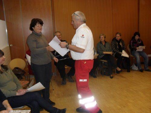 """""""Herr Hammer vom Roten Kreuz Spittal war wirklich ein Hammer"""", so der Kommentar einer Teilnehmerin. (© Foto: Unterlercher)"""