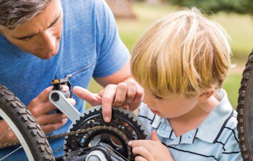 Kinder lernen von Bezugspersonen (© Foto: Clipdealer)