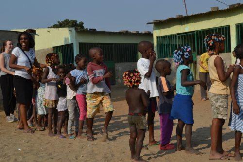 Schule in Angola (© Foto: IA)