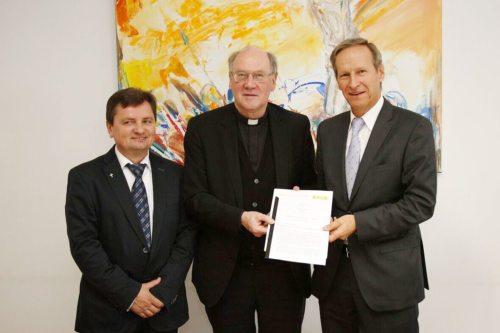 v.l.: Rektor Franjo Vidović, Bischof Alois Schwarz und Rektor Siegfried Barones (© Foto: Georg Haab)