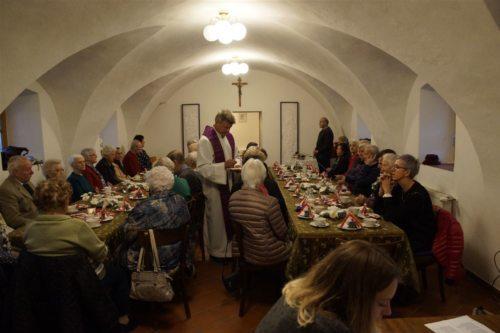Gottesdienst im Pfarrzentrum (Foto: Frank)