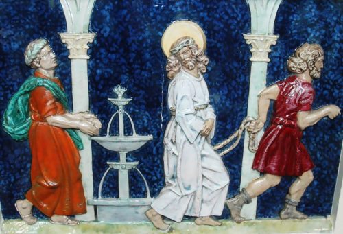 Pilatus wäscht seine Hände in Unschuld - Darstellung auf der 1. Station des Kreuzweges in der Klagenfurter Chistkönigskirche (Foto: Internetredaktion / fotogard)