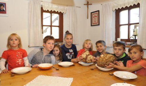 Dočakali smo, kruh je na mizi ! (slika: vg)