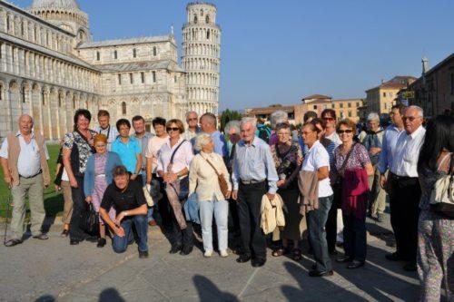 Gruppenfoto in Pisa (© Foto: Pfarre Latschach / Loče)