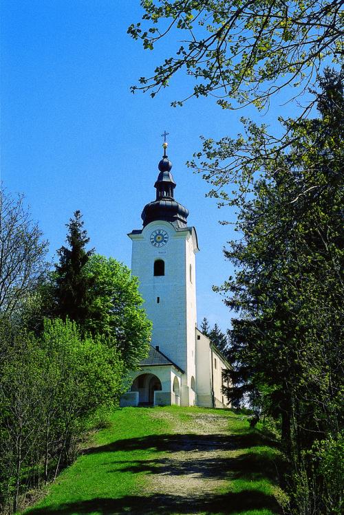 """Ausgangspunkt der Dreibergewallfahrt - der Lisnaberg/lisna gora (© Foto: assam/pressestelle; entnommen der Broschüre """"Heilige Berge"""" der Pressestelle)"""
