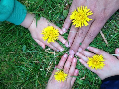 Sonce ljubezni v srcu družine (slika: pixabay)