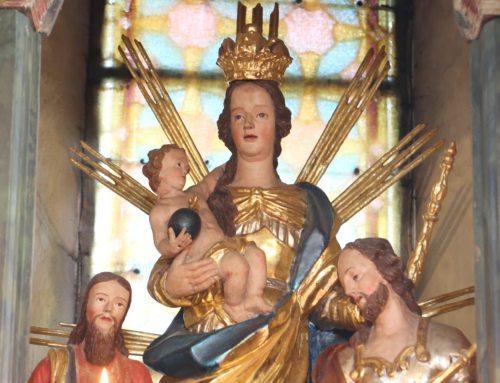 Marijin kip v oltarju cerkve v Rinkolah. (Foto: Opetnik)