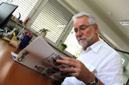 Jože Marketz – ravnatelj koroške Caritas se zahvaljuje za denarno, materialno in časovno pomoč. (Foto: Caritas)