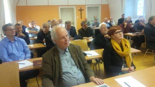 Dechanten, Dechantenstellvertreter und die neue Leiterin der Präventionsstelle Martina Erlacher (Foto: M. Kapeller)