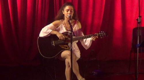 Nadine Beiler (Foto: Screen aus FB-Video)