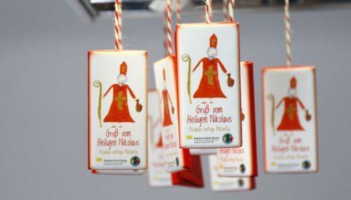 Mit der Nikolausschokolade von Bruder und Schwester in Not dreifach Gutes tun! (Foto: K.H. Kronawetter/ Internetredaktion)