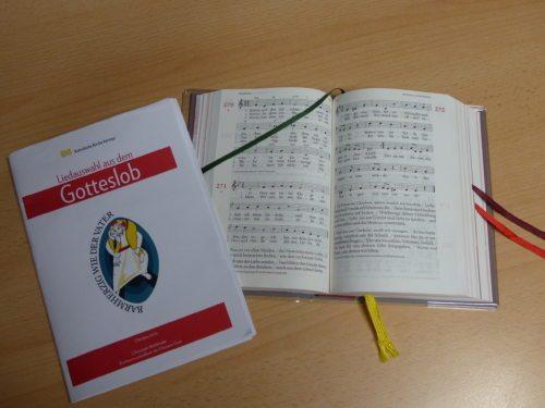 Singen mit dem Gotteslob eine Auswahl zum Jahr der Barmherzigkeit (© Foto: Pfarre Friesach)