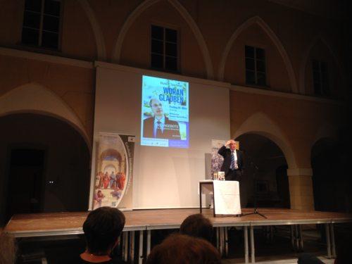 Prof. Taschner bei der Ausführung (© Foto: Peter Rupitsch)