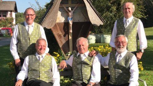 Quintett Karnitzen beim Marterl in Karnitzen. (Bild: Michaela Fritz)