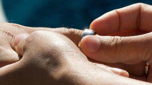 """""""Nimm diesen Ring als Zeichen meiner Liebe und Treue."""" (© Foto: morguefile.com / earl53)"""