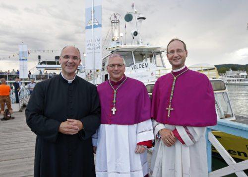 Die Bischöfe Turnovszky und Freistetter mit Organisator P. Salzl SDB (v. r.); Foto: Pressestelle/Eggenberger