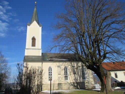 Filialkirche St. Peter | Podružnica Šentpeter © Foto: Pfarrarchiv