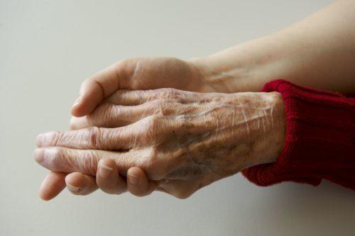 Begleitung am Ende des Lebens (Foto: Pawloff/Caritas)