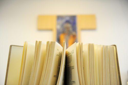 Sveto Pismo - božja lekarna (Nedelja)