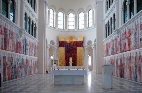 Der Altarraum der Seminarkirche auf Tanzenberg (© Foto: KH Kronawetter / Internetredaktion)