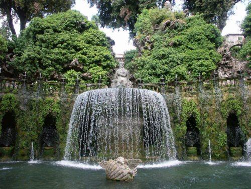 Zum Staunen schön: die hängenden Gärten der Villa d´Este in Tivoli (Foto: Prof. Heinz Ellersdorfer)