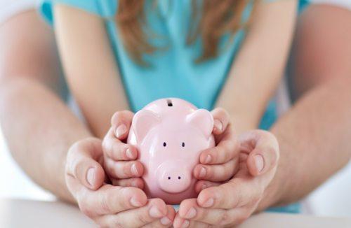 Am Tag der Familie bietet der Katholische Familienverband ein kostenloses Serviceangebot rund um Steuerfragen (© Foto: Shutterstock)