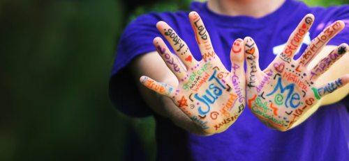 """Im Oktober 2018 findet eine Weltbischofssynode zum Thema """"Jugend"""" statt. Im Sinne einer breiten Meinungsbildung hat der Vatikan einen Online-Fragebogen für junge Leute freigeschaltet.  (© Foto: Pixabay CC0)"""
