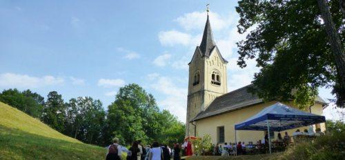 In allen Kärntner Pfarren werden die Kirchtage in und außerhalb der Kirche ganz besonders gefeiert. Hier finden Sie eine Linkliste zu den Kirchtagsberichten. (© Foto: Ursula Modritsch - Kirchtag in St. Margarethen bei Köttmannsdorf)