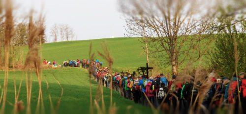 """Am """"Dreinagel-Freitag"""" werden wieder tausende Gläubige an den traditionsreichen Wallfahrten """"Vierbergelauf"""" und """"Dreibergelauf"""" teilnehmen. (© Foto: Anton Wieser (Bearb. KHK))"""