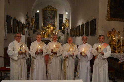 v.l.n.r.: die Diakon-Jubilare Rapatz, Stadler, Korl, Hofer, Srienz, Cvetko (Diakon Koptisch nicht auf dem Foto) (© Foto: Glanznig, Referat für Diakone)