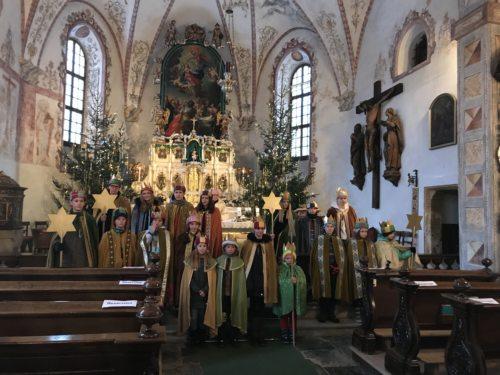 Gruppenbild in der Pfarrkirche (© Foto: Verena Morgenstern)