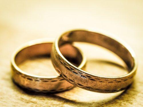 Zur Ehe für alle stellen sich viele Fragen (© Foto: Pixabay)