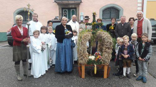 Erntekronesegnung und Umzug am Schlossplatz Bild: Bgm. Alexander Benedikt