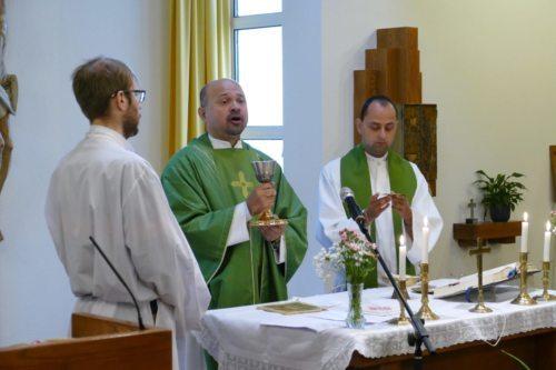 Mit Kaplan Grzegorz Rapala und PassAsst Herrn Christian Leitgeb Bild: Franz Kickmaier